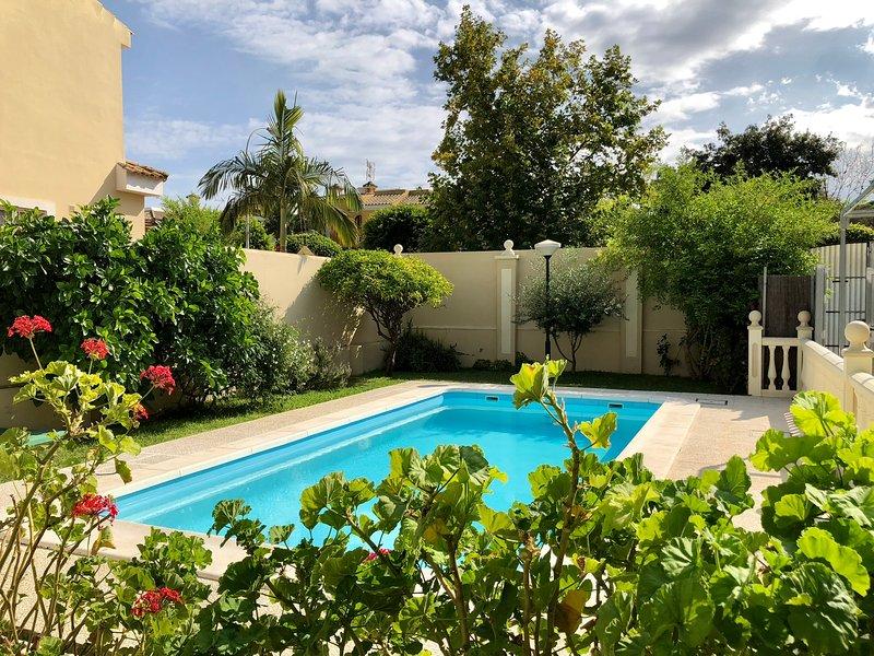 Casa grande con piscina cerca de la playa rota espa a actualizado 2019 alquileres - Casas rurales grandes cerca de madrid ...