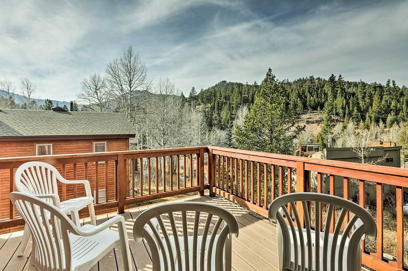 This Alpine Meadows property has 3 bedrooms and 2.5 bathrooms.