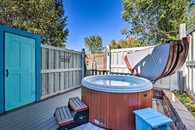 Un bain à remous partagé rehaussera votre expérience.