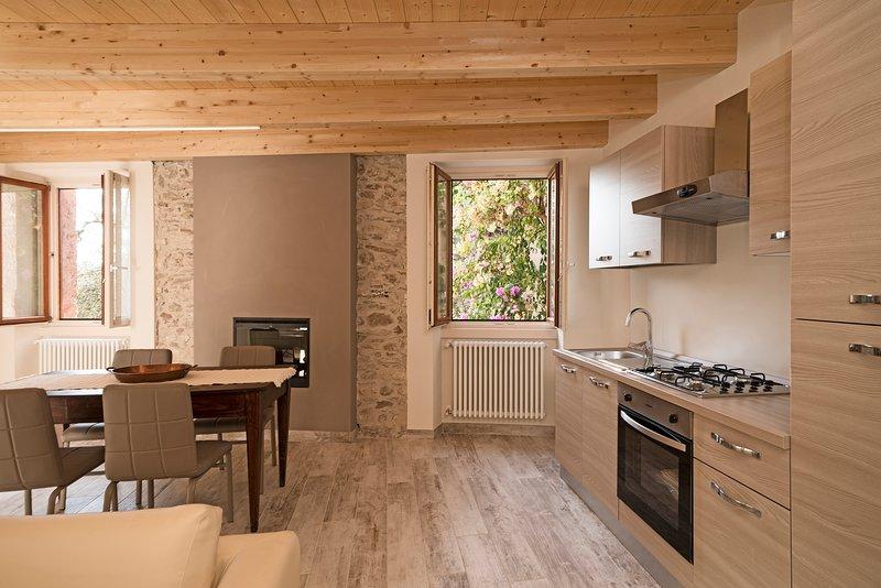 Appartamento 'Il Sogno nel Borgo', vacation rental in Liano - Formaga