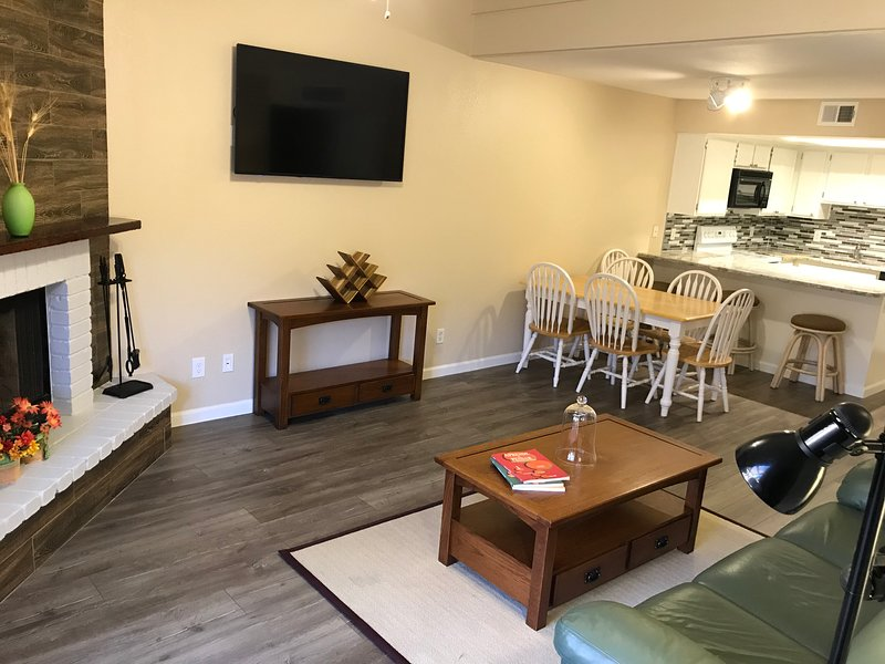 Casita Arizona Tempe: Designed for LARGE FAMILY (or 2 families)+kids [Fits 11], vacation rental in Tempe