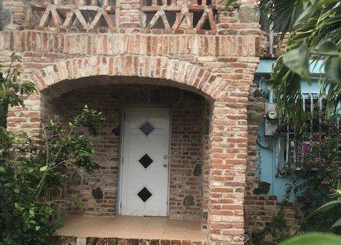 Orchid Lane 1 BR House in ESPERANZA:180 steps to Caribbean Beaches/Boardwalk/Restaurants, vacation rental in Isla de Vieques