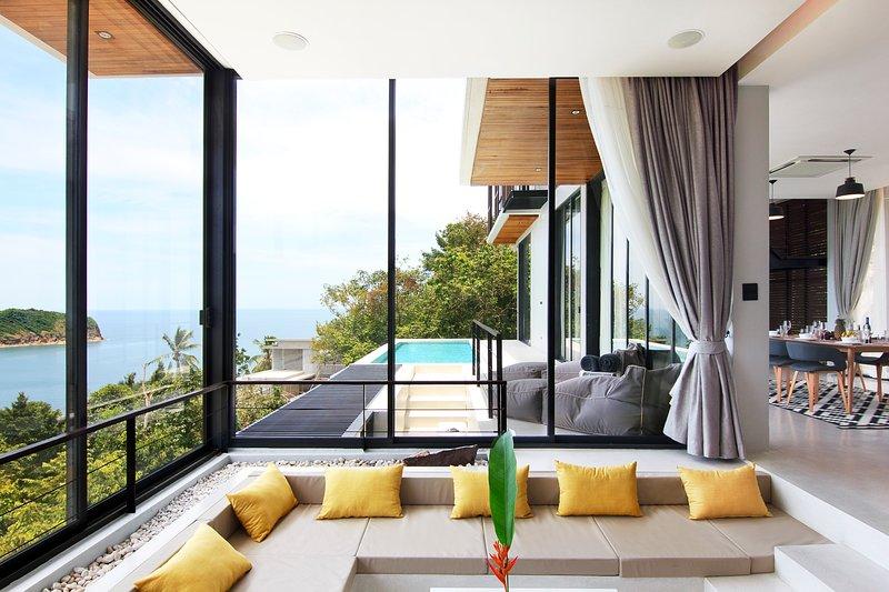 EPIC & NEW 4BR INFINITY POOL VILLA THONG LANG BAY, holiday rental in Ko Pha-ngan