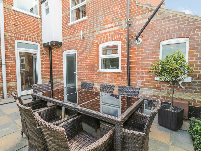 ST EDMUNDS, close to the beach, WiFi, in Mundesley, alquiler vacacional en Swafield