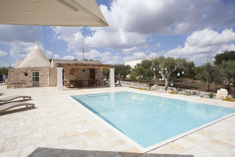 Trullo Oasi Santo Stefano - private pool, holiday rental in Castellana Grotte