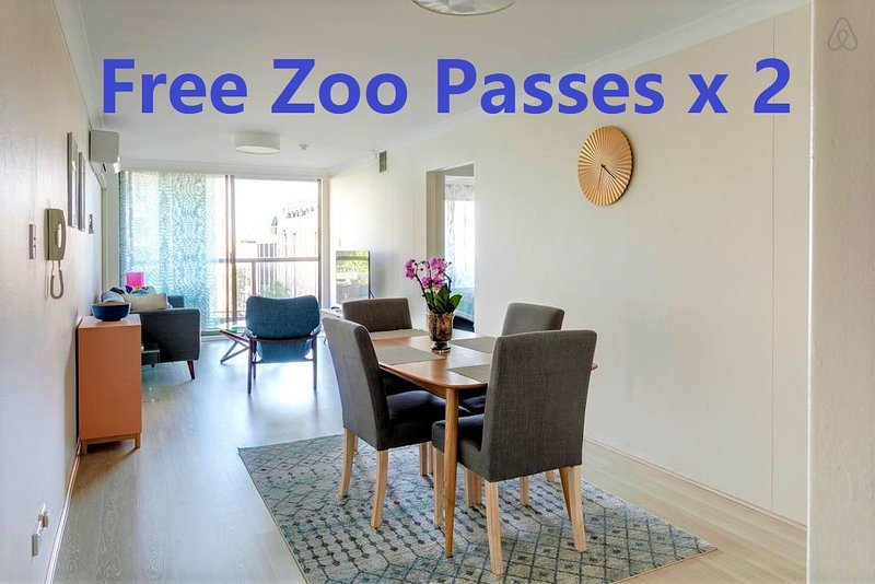 2 Bedroom Apartment Heart Of Sydney CBD/2 mins to Station/ NetFlix & Zoo Pass x2, holiday rental in Sydney