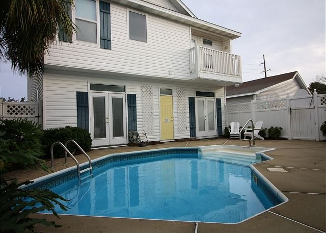 Piscine, Pool House et Carriage House