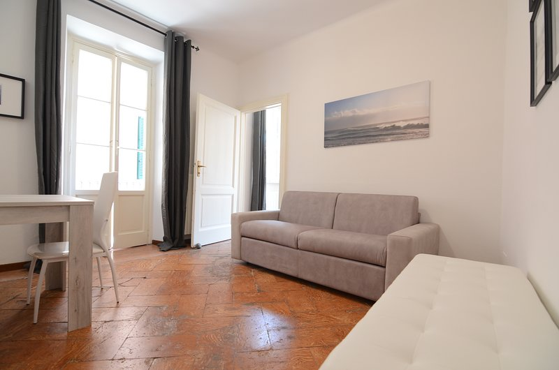 HEART 3 -1 bedroom apartment in HEART of BELLAGIO, holiday rental in Bellagio