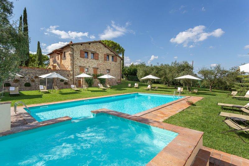 Querceto Apartments - Querceto Apartments Trilo 6 Pax, alquiler de vacaciones en Tavarnelle Val di Pesa