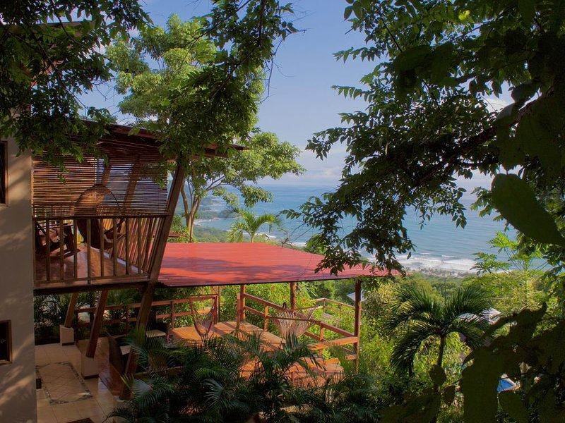 Welcome to mountaintop paradise overlooking all the beaches!