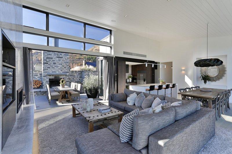 Luxury Arrowtown Opulence, vacation rental in Cardrona