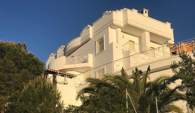 Villa moderne avec vue panoramique sur Málaga, alquiler vacacional en Campanillas