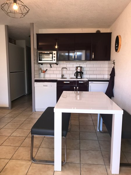 Newly refurbished One bedroom apartment Flaine Foret, vacation rental in Flaine
