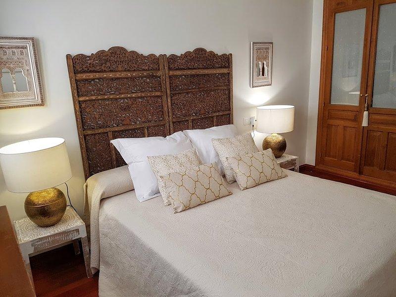 Awesome apartment with great views of the Alhambra, location de vacances à Cenes de La Vega