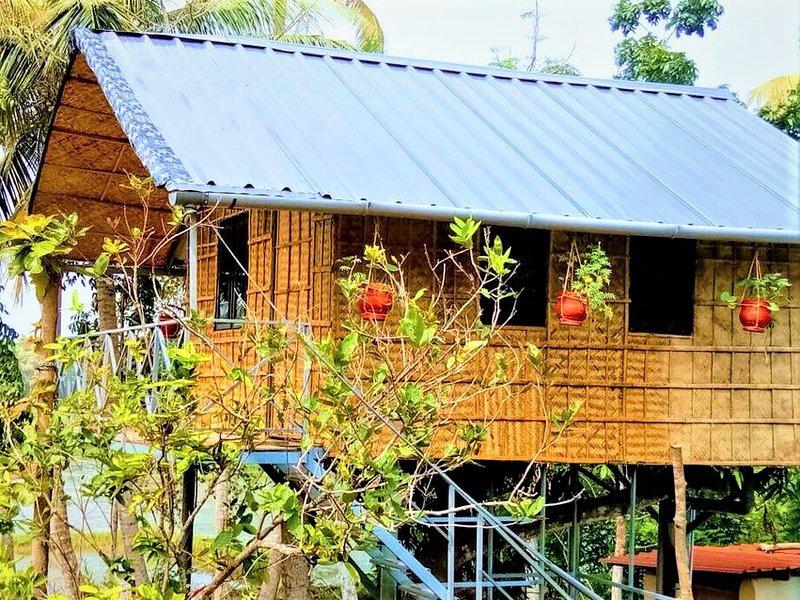 Lush Treehouse
