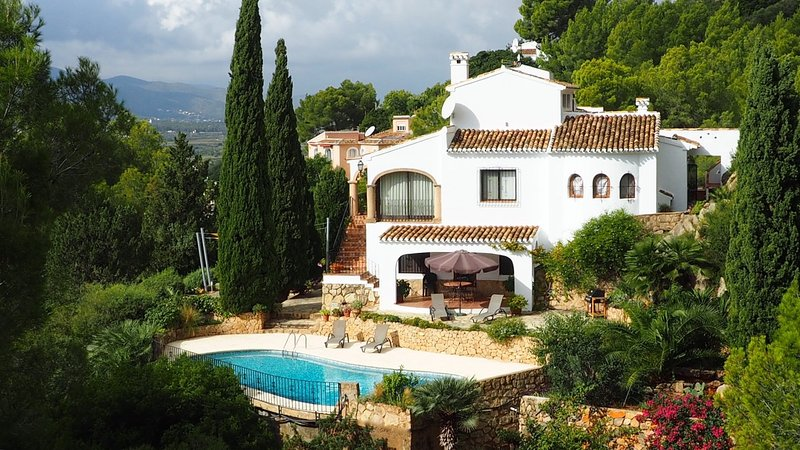 Villa Sol y Luna, wonderful views and tranquility, Ferienwohnung in Javea