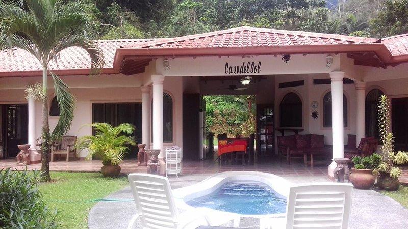 Casa Del Sol - Large 4 master bedroom villa, cool, alquiler de vacaciones en Ojochal