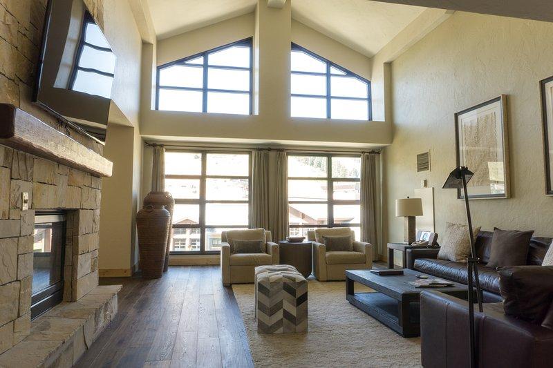 4 Bedroom Penthouse in Canyons Village, alquiler de vacaciones en Snyderville