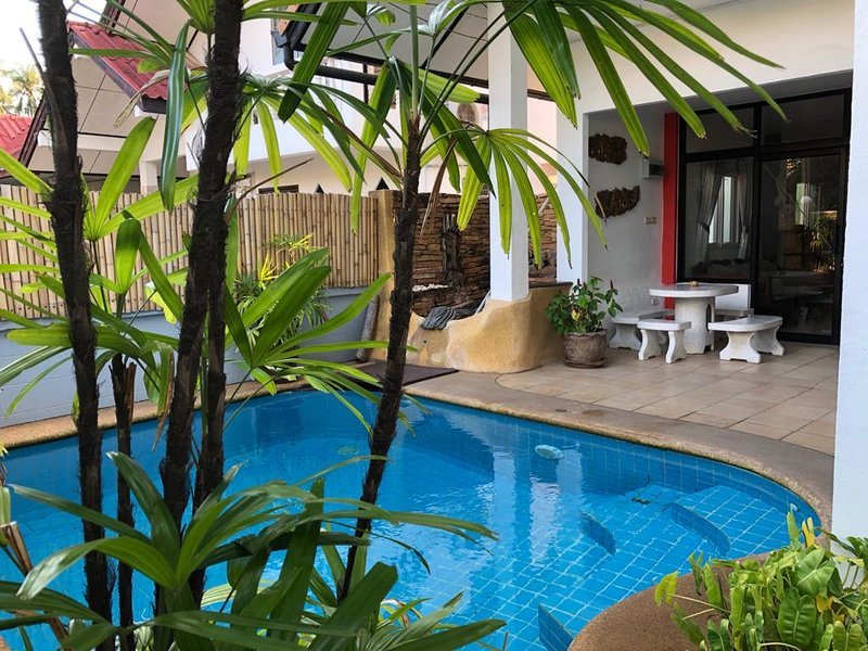villa LES PIEDANLOS 3CH, 3SDE, 250m de la plage, vacation rental in Lamai Beach