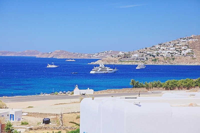 Maganos DekaEpta: Traditional one bedroom apt, for 2 persons, enjoys a shared, vacation rental in Paraga
