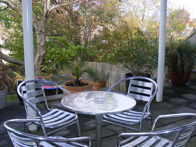 Superb Garden Apartment, holiday rental in Filton