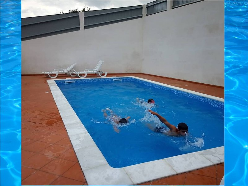 Amazing villa with shared pool, casa vacanza a Castro Daire