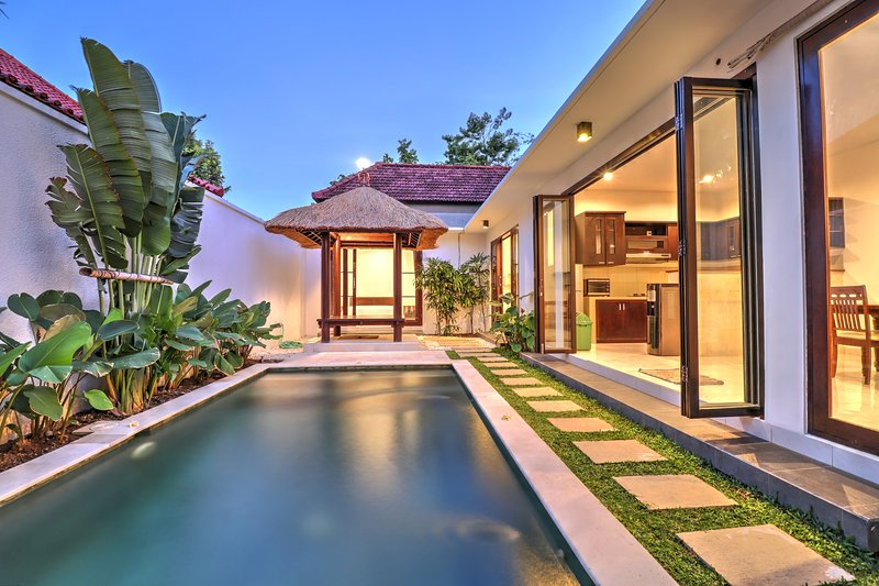 '50% OFF' 3 BR Villa Clover at Sanur with private pool, holiday rental in Sanur Kauh