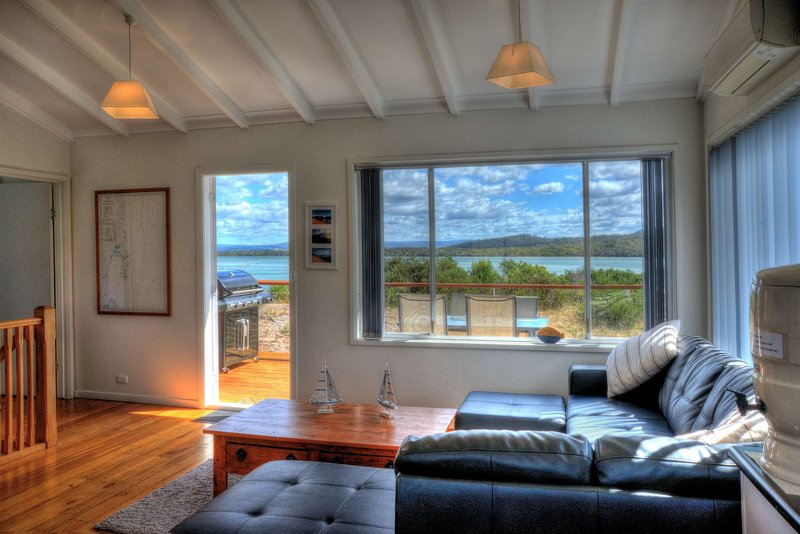 The Blue House, vacation rental in Coles Bay