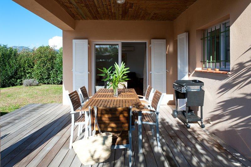 Villa Rossa 4, villa de standing 4*, plage à pied, piscine chauffée, 3 chambres, location de vacances à Corse-du-Sud
