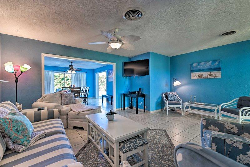La casa de 5 dormitorios y 3 baños cuenta con asientos lujosos y TV por cable para 14 personas.