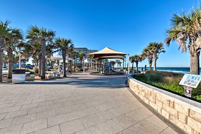 ¡Pase el día en el hermoso Andy Romano Beachfront Park!