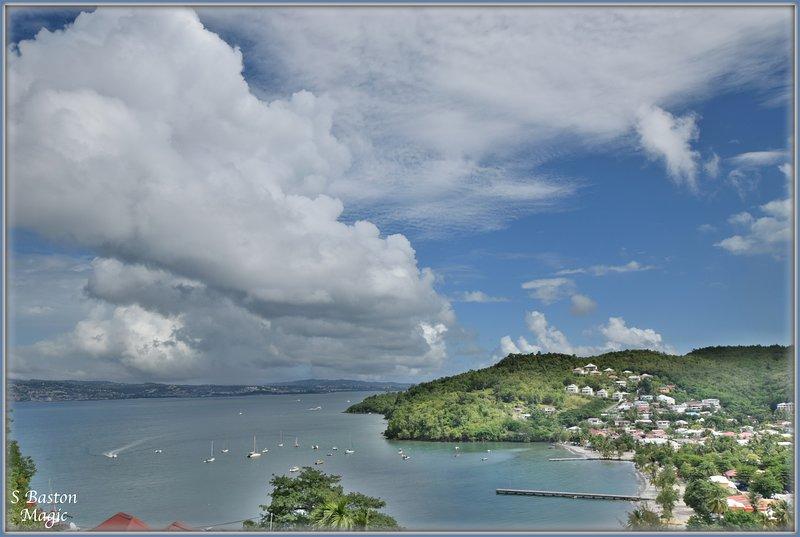 Sup.T2 Spacieux (villa), 500m Plage, Vue mer ET Baie, Confort +, lesTrois Ilets, Ferienwohnung in Martinique