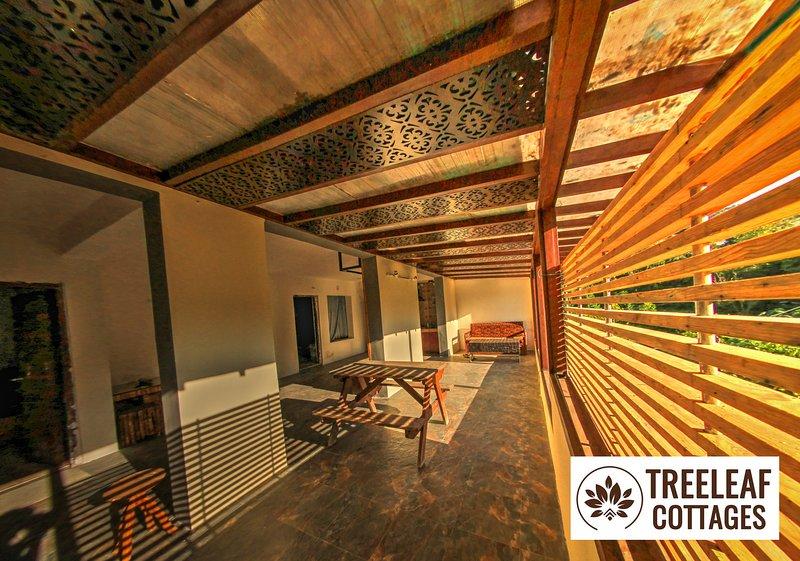 2 BHK family suite master living area piano terra