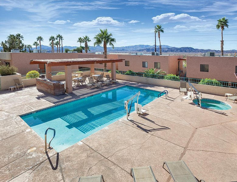 Havasu Dunes Resort Pool Area