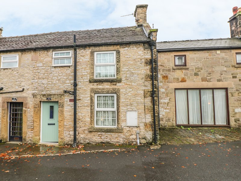 PINE COTTAGE, ideal for hikers, near Bakewell, vacation rental in Youlgreave