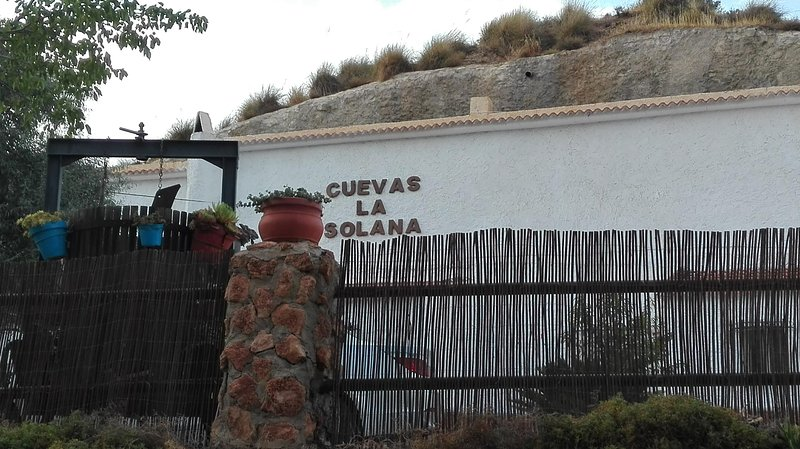 Cuevas La Solana II, holiday rental in Purullena