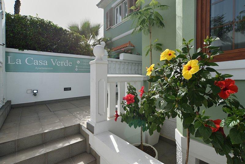 La Casa Verde A08 Atico Duplex 118 m2, vacation rental in Puerto de la Cruz