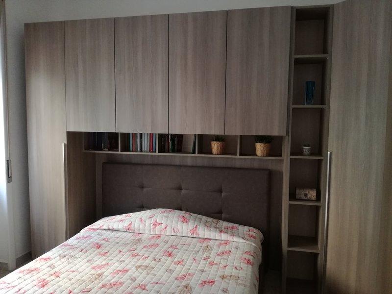 Casa Vacane ''Peppino & Lina'' - Metropolitana Mercatello, holiday rental in Pontecagnano Faiano