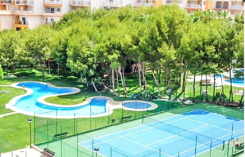 New apartment in Campoamor R25, vacation rental in Mil Palmeras