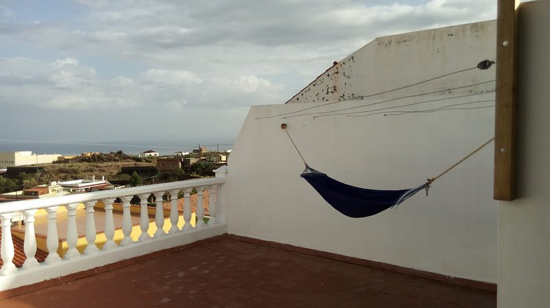 Spacious house with sea view, holiday rental in La Guancha