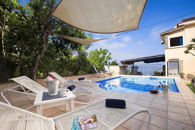 Villa Mouna Wellnesss and SPA, vacation rental in Termini