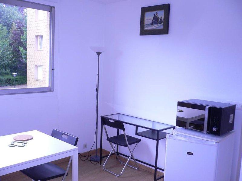 Appartement neuf - meublé et aménagé, alquiler vacacional en Saint-Martin-de-Boscherville