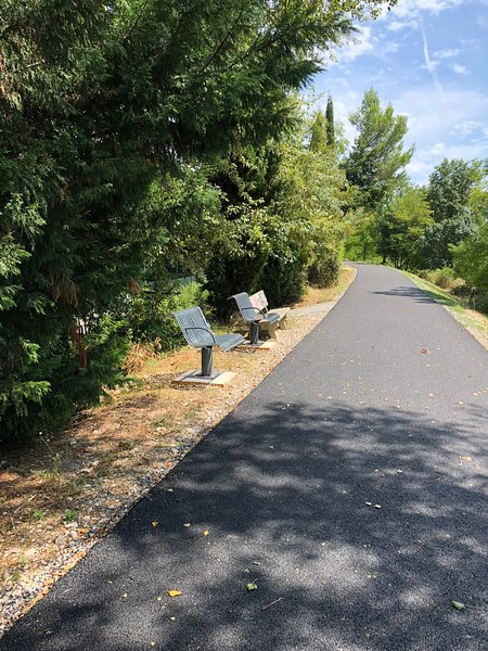 Walking/cycling track between Montelimar and golf club