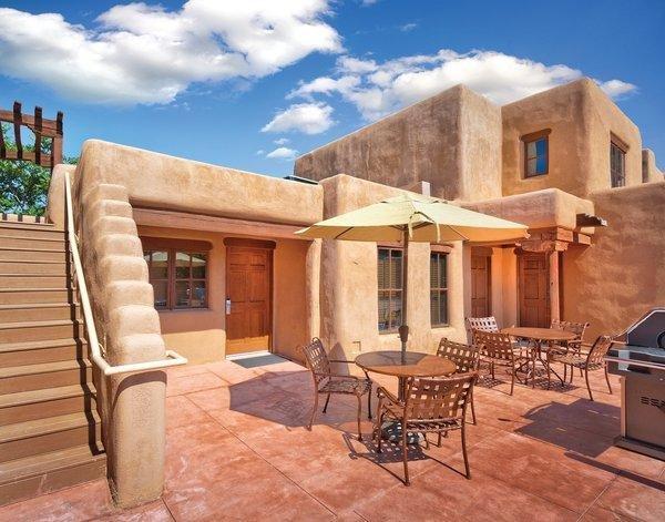 Adobe-Styled Studio w/ Gas Fireplace, Resort BBQ Area & More!, Ferienwohnung in Santa Fe