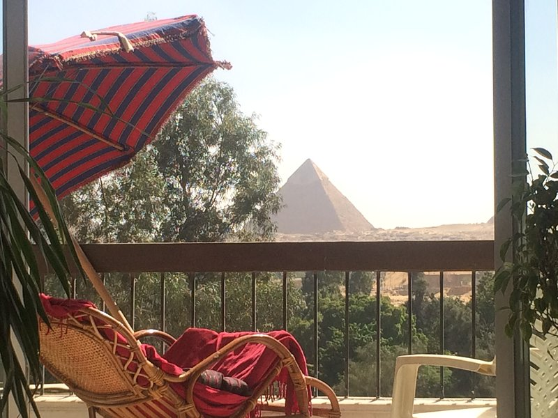 Pyramids dreams come true, holiday rental in Sheikh Zayed City