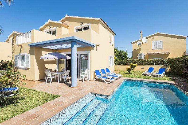 Villas Amarillas, location de vacances à Cala Blanca