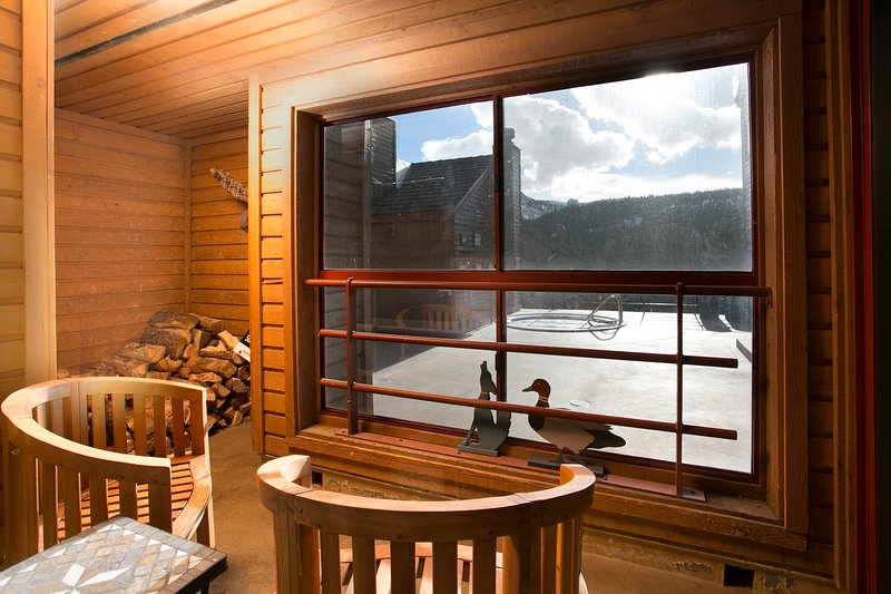 Enclosed Balcony with a View!