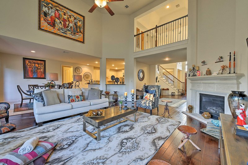 Lavish Pearland Home Near Houston Attractions!, holiday rental in Rosharon