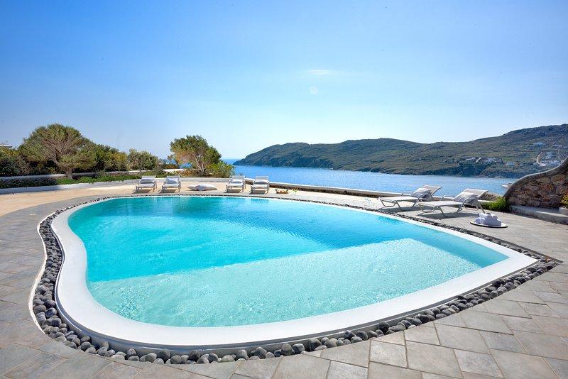 Villa Irida | Mesmerizing View & Pool, Kalo Livadi, Ferienwohnung in Kalo Livadi