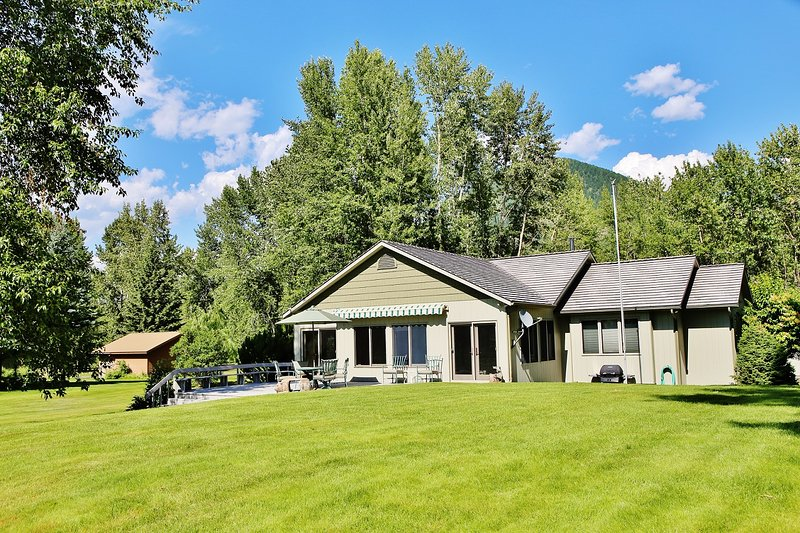 Cabin is on Glacier view golf course